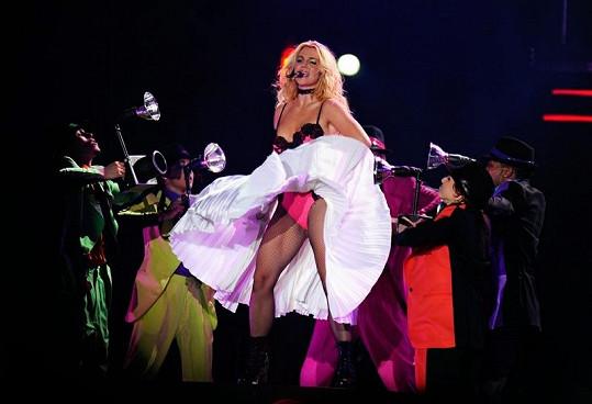 Britney se konečně daří hubnout.