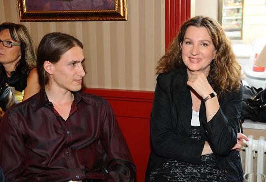 Režisérka Irena Pavlásková na párty.