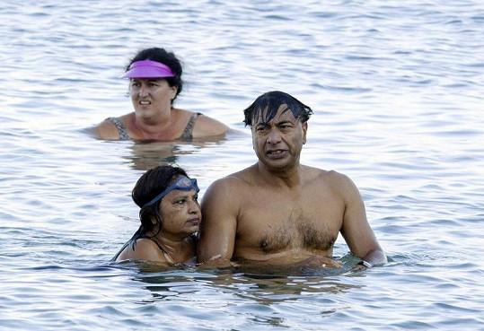 Šestý nejbohatší člověk na světě na dovolené s manželkou.
