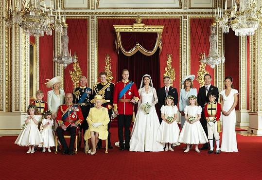 Rodiny novomanželů v celé své kráse.