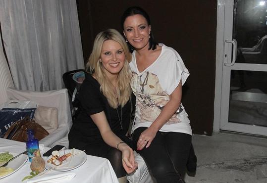 Simona Krainová a Gábina Partyšová jsou velké kamarádky.