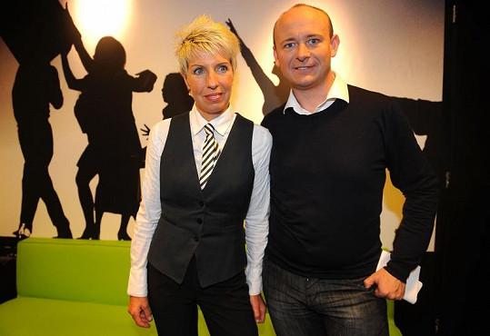 Marcela s organizátorem soutěže Muž roku Davidem Novotným, který s koncertem pomáhal.