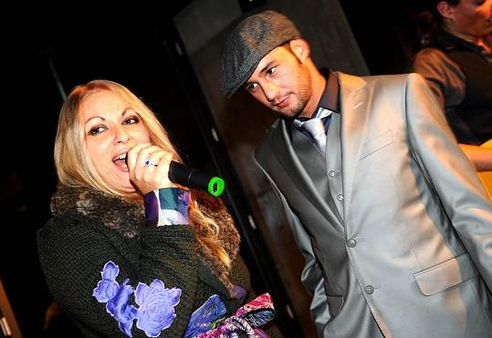 Martina si se Sámerem Issou na jeho křtu zazpívala duet.