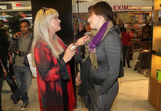 Chantal Poullain se zapovídala s Terezou Černochovou.