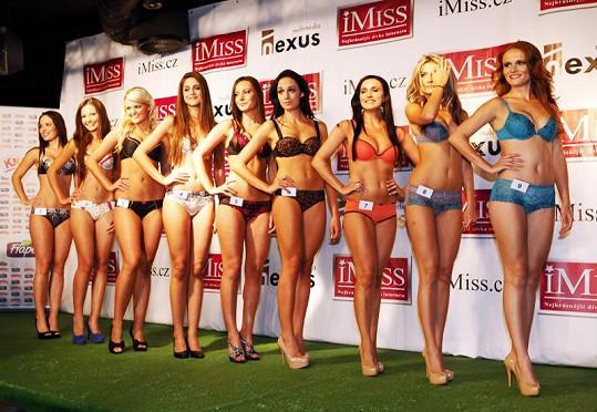 Finalistky iMiss v prádle.