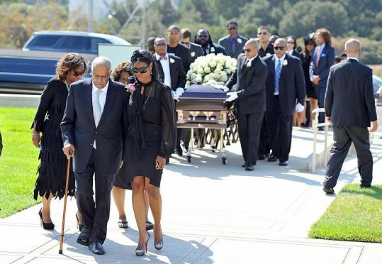 Pohřbu herce Michaela Clarka Duncana se účastnily desítky jeho nejbližších.