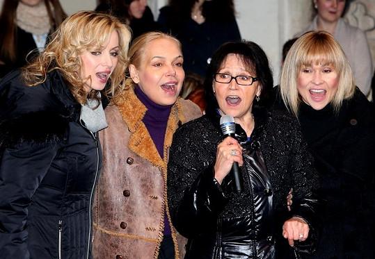 Kateřina Brožová, Dagmar Havlová, Marta Kubišová a Kateřina Herčíková si spolu zazpívaly.