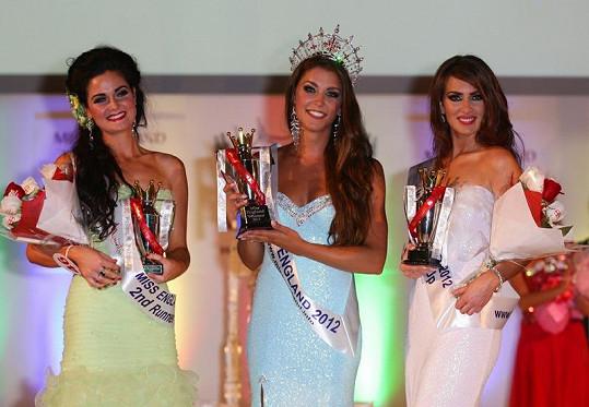 Všechny tři nejkrásnější Angličanky jsou dlouhovlasé brunetky.