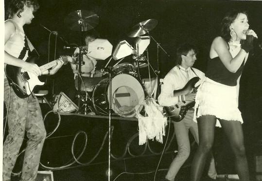 """Zpěvačka uměla v 80. letech udělat pořádně """"hustý"""" koncert."""