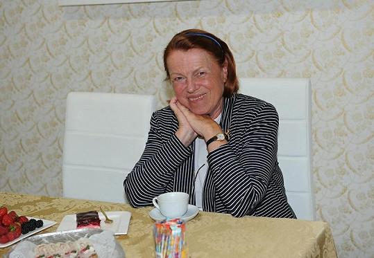 Iva Janžurová ani po odchodu milovaného partnera neztratila úsměv.