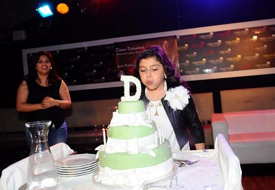 Dianka dostala velký marcipánový dort.