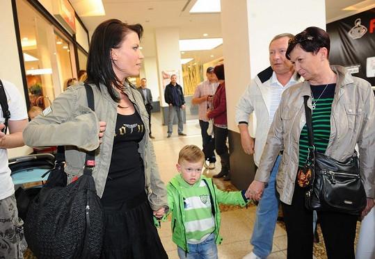 Gábina Partyšová se synem Kristiánem a maminkou.