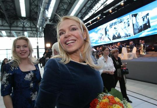 Dagmar Havlová i po úmrtí manžela vypadá stále neskutečně krásně.