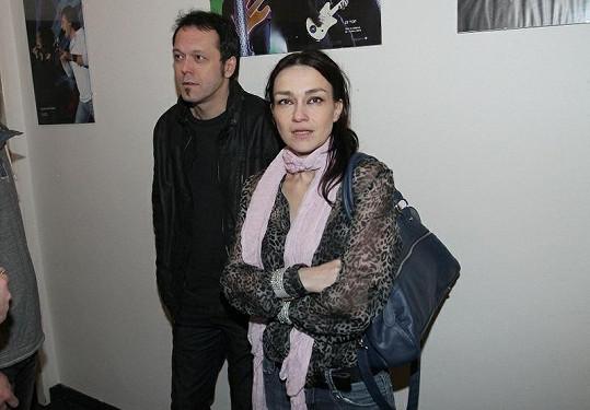 Viktor Dyk s Martinou, která pracuje pro Lumíra Matiho.