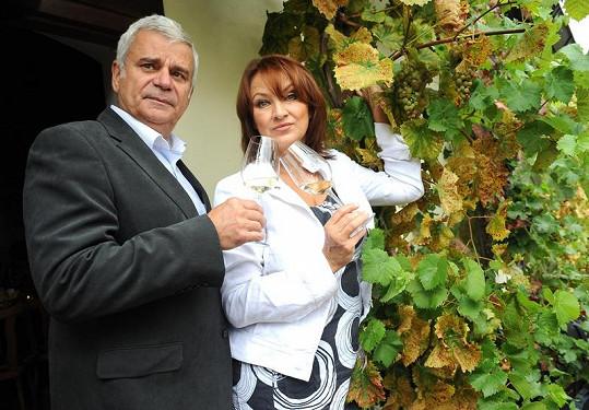 Zlata Adamovská a Petr Štěpánek se prý mají vzít.
