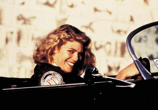 Půvabná herečka ve filmu Top Gun.