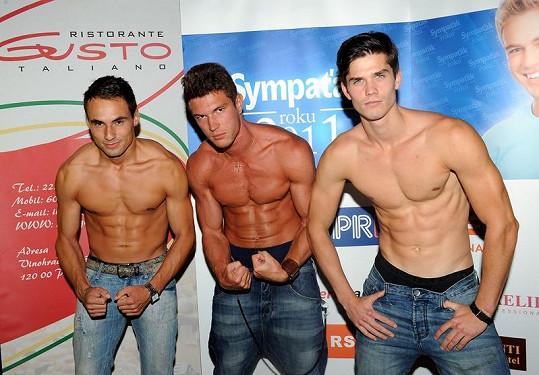 Finalisté Sympaťáka roku 2011 ukázali svá těla.