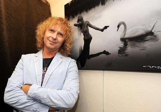Peter Nagy se svou fotografií.