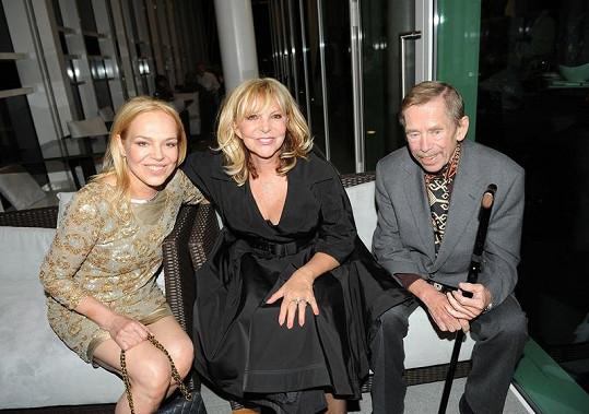 Dagmar Havlová, Hana Zagorová a Václav Havel si rozumějí.