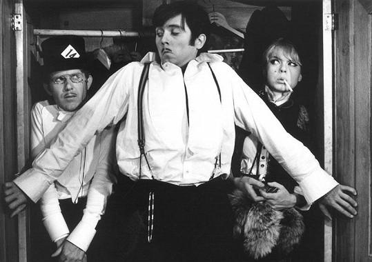 Na legendární film z roku 1967 s Jiřím Hrzánem a Josefem Abrhámem se řadu let nemohla dívat.