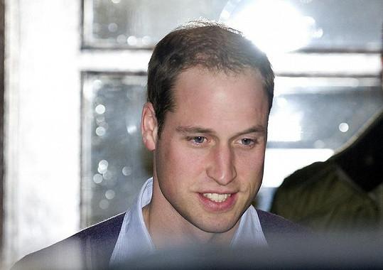 Princ William neskrýval pozitivní náladu po včerejší návštěvě své manželky v nemocnici.