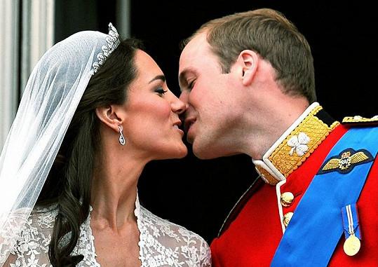 Svatební polibek Williama a Kate