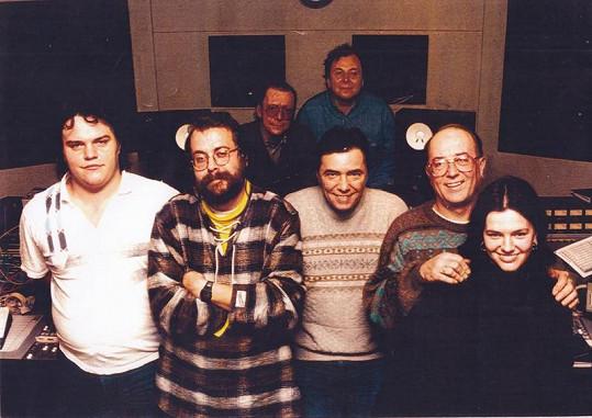 Zleva: vzadu Petr Novák a P. Přibyl, vpředu M. Šimdelář, J. Vanča, K. Kahovec, Petr Janda a jeho dcera Marta Jandová.
