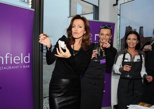 Kateřina Brožová, Alice Bendová a Gábina Partyšová.