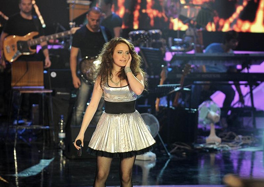Kristýna Daňhelová zpívá píseň Katy Perry Firework.