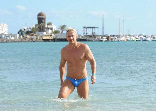 Martin Maxa má dokonalé, sportem vypracované tělo.
