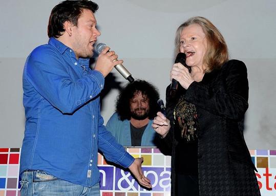 S Matějem Ruppertem si jednu z jeho písní zazpívala stálice české hudby Eva Pilarová, a dodala tak písni svůj osobitý styl.
