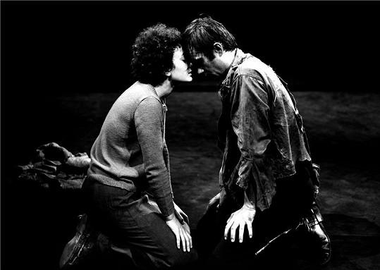 Jana se svým prvním mužem Petrem Svojtkou na prknech Národního divadla.