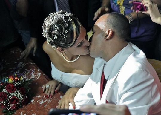 Novomanželé Ignacio a Wendy.