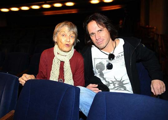 Luba Skořepová a Janek Ledecký představili muzikál Vánoční zázrak.
