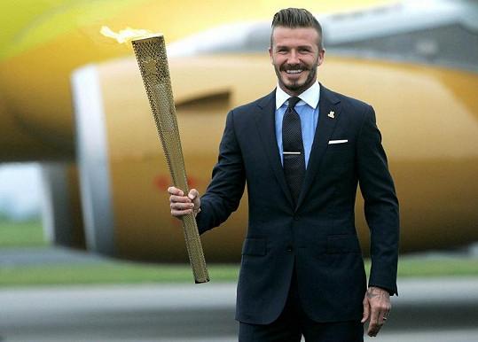 Davidovi to s olympijským ohněm sluší.