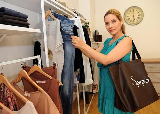 Eva Decastelo na otevření obchodu s italskou módou