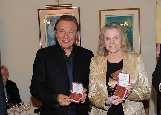 Pilarová s Karlem Gottem.