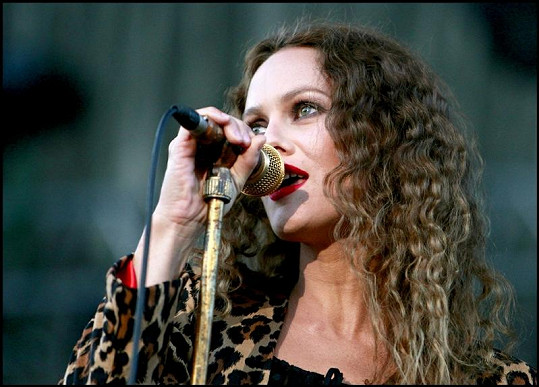 Vanessa Paradis během svého koncertu.