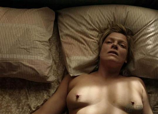 Molly Price se v seriálu nestyděla.