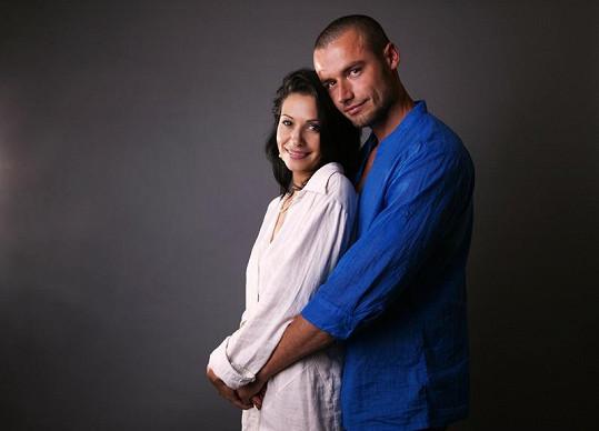 Adéla Taş je na začátku druhého měsíce těhotenství.