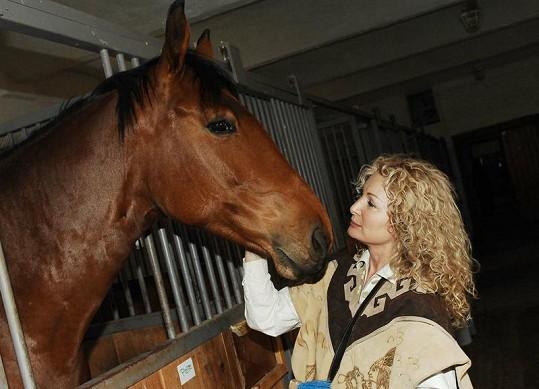 Světlana Nálepková se díky dceři zamilovala do koní.