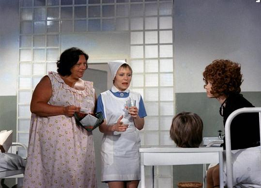 Helena jako pacientka psychiatrie ve filmu Dívka na koštěti (1971).