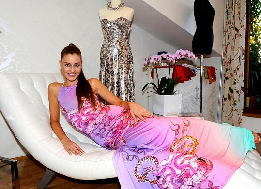 Tereza Chlebovská je velmi atraktivní dámou. S brankářem Pavelcem je prý jen kamarádka.
