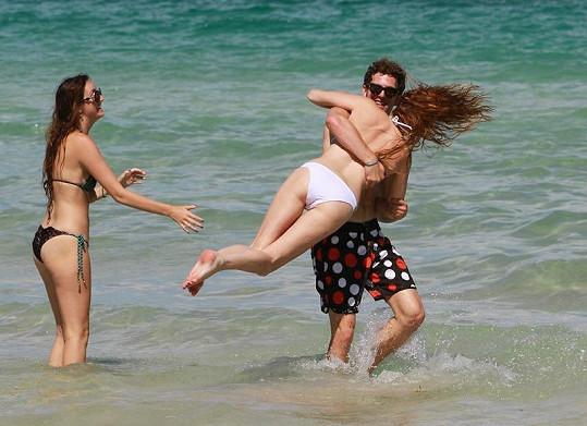 Modelka si užila se svými přáteli hodně legrace.