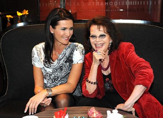 Claudia Cardinale s Michaelou Maláčovou na tiskové konferenci.