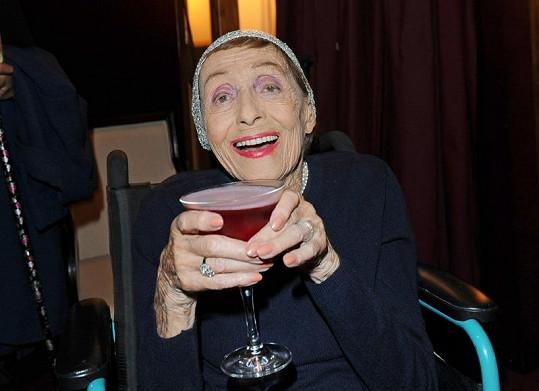 Ve 101 letech vypadá herečka stále báječně.