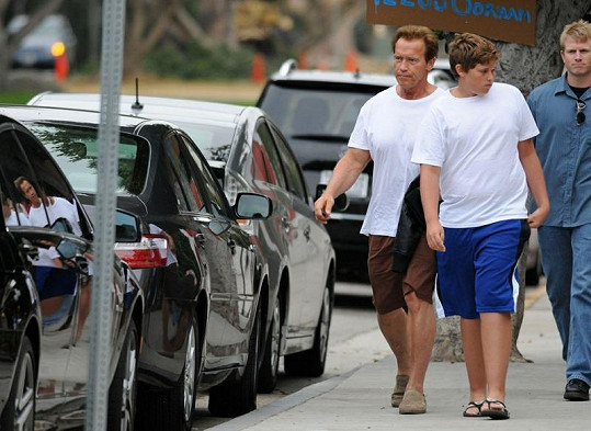 Arnold a Christopher Schwarzeneggerovi.