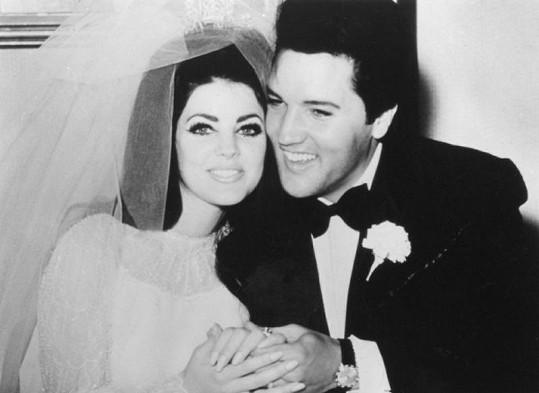 Svatební den Elvise Presleyho a Priscilly.