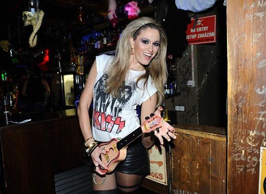 Míša Štoudková jako správná rockerka.