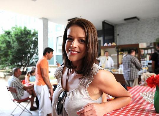 O svých cestovatelských plánech se nám Andrea svěřila na setkání tvůrců seriálu Vyprávěj s novináři v České televizi.